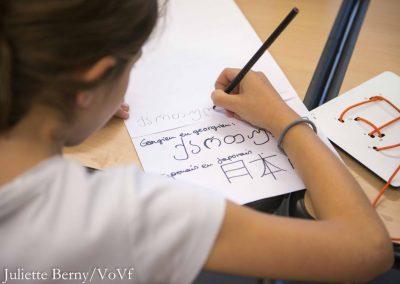 Atelier M.O.T.S pour découvrir les alphabets du monde